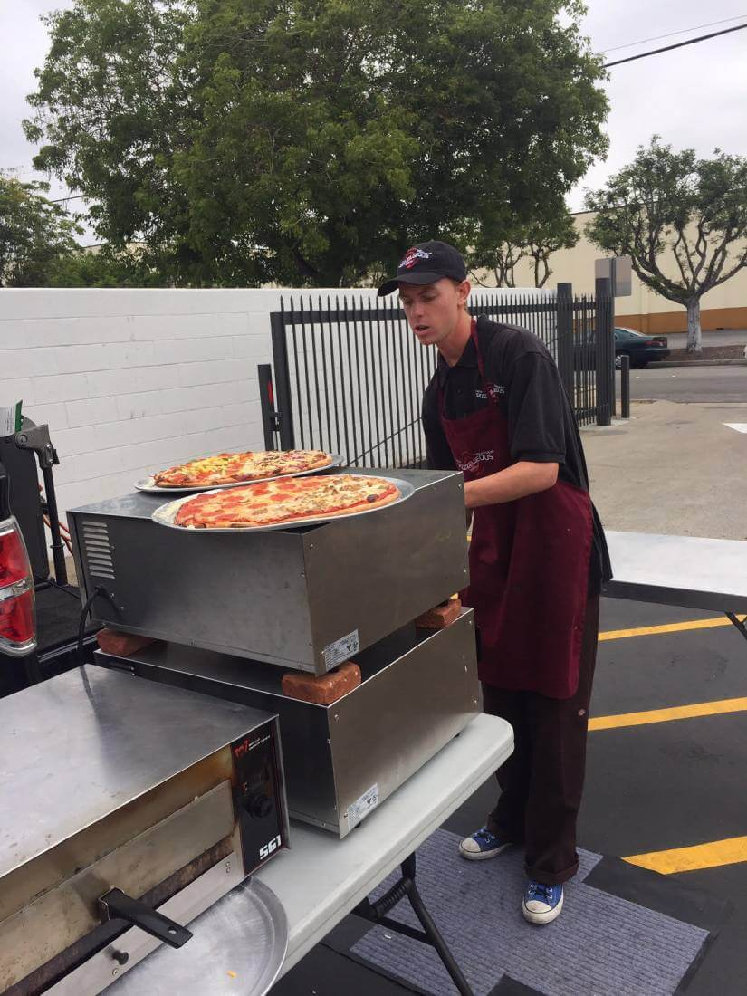 pizza truck event catering 5